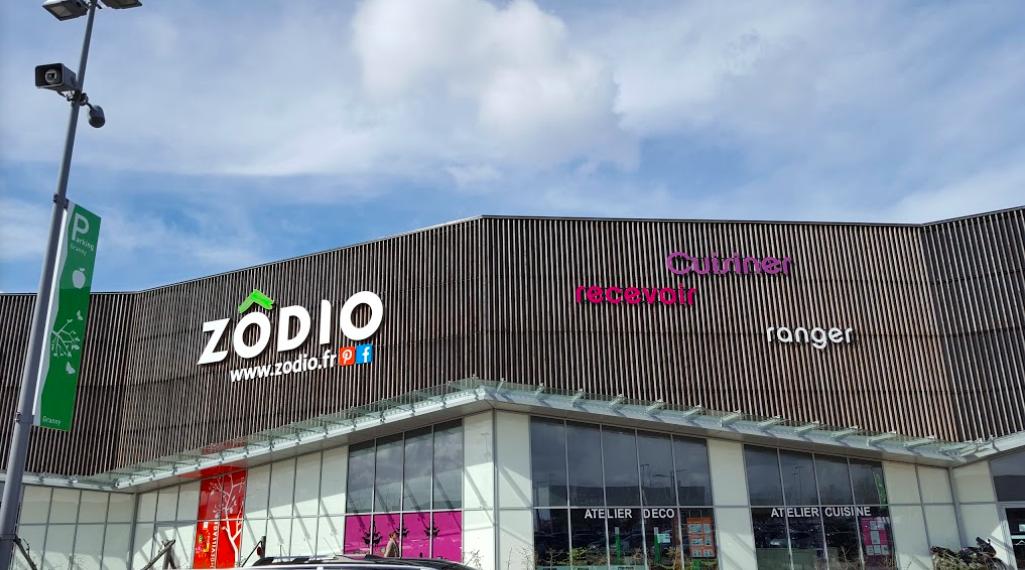 Zodio Centre Commercial Mondevillage